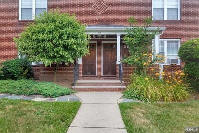 Leonia Condo/Townhouse For Sale: 544 Broad Avenue #1