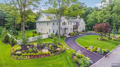 Franklin Lakes Single Family Home For Sale: 722 Butternut Drive