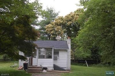 Wayne Single Family Home For Sale: 235 Garside Avenue