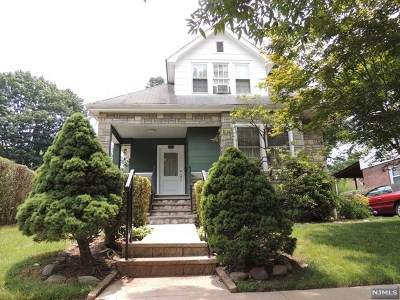 Teaneck Single Family Home For Sale: 142 Oak Street
