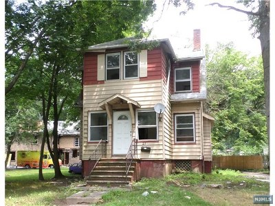Teaneck Single Family Home For Sale: 231 Hargreaves Avenue