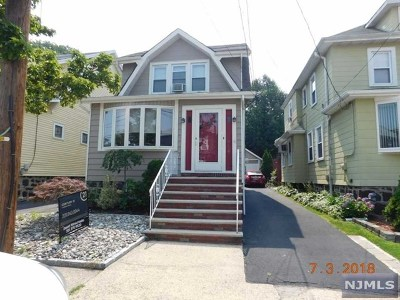 Cliffside Park Single Family Home For Sale: 516 Longview Avenue