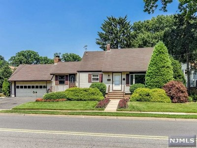 New Milford Single Family Home For Sale: 373 Main Street