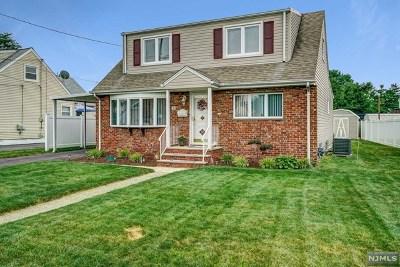 Moonachie Single Family Home For Sale: 16 Edstan Drive