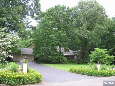 Saddle River Single Family Home For Sale: 51 Twin Brooks Road