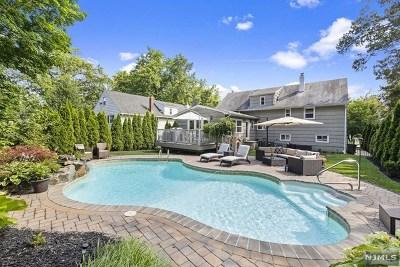 Teaneck Single Family Home For Sale: 165 Bennett Road
