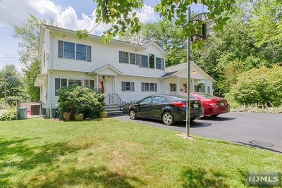 Wanaque Single Family Home For Sale: 35 Makemoney Avenue