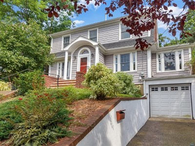 Leonia Single Family Home For Sale: 41 Linden Terrace