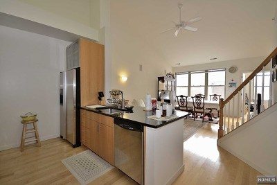 West New York Condo/Townhouse For Sale: 24 Ave At Port Imperial #421