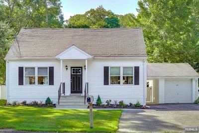 Oakland Single Family Home For Sale: 114 Hiawatha Boulevard