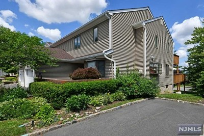 Mahwah Condo/Townhouse For Sale: 81 Fisher Road