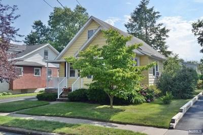 Fair Lawn Single Family Home For Sale: 12-64 Burbank Street