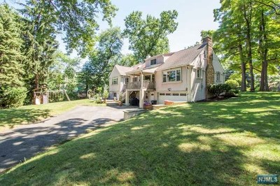 Cresskill Single Family Home For Sale: 93 Engle Street