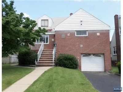 Cliffside Park Single Family Home For Sale: 39 Lawton Avenue