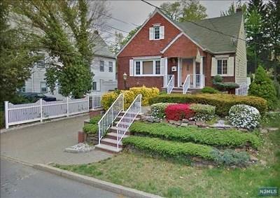 Leonia Single Family Home For Sale: 315 Hillside Avenue
