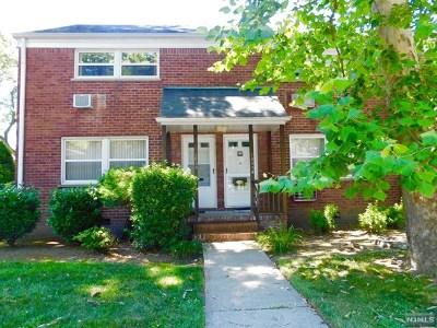Fair Lawn Condo/Townhouse For Sale: 15-56a North Plaza Road #A