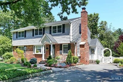 Paramus Single Family Home For Sale: 57 Sycamore Street