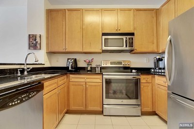 West New York Condo/Townhouse For Sale: 26 Ave At Port Imperial #107