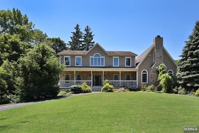 Upper Saddle River Single Family Home For Sale: 12 Brook Road