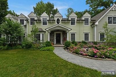 Ridgewood Single Family Home For Sale: 317 Highland Avenue