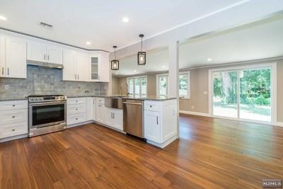Rochelle Park Single Family Home For Sale: 278 Howard Avenue