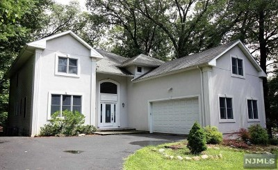 Franklin Lakes Single Family Home For Sale: 391 Wildwood Avenue