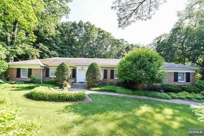 Franklin Lakes Single Family Home For Sale: 894 Huron Road