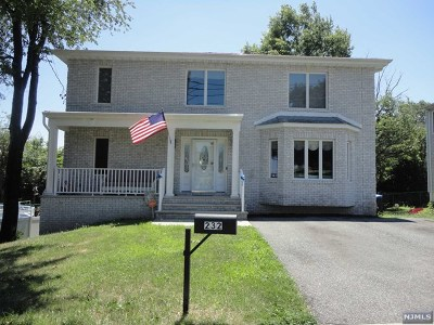Saddle Brook Single Family Home For Sale: 232 Lanza Avenue