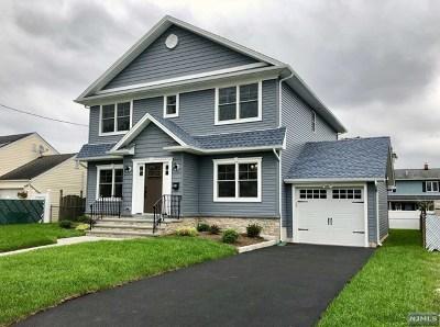Saddle Brook Single Family Home For Sale: 114 Skillman Terrace