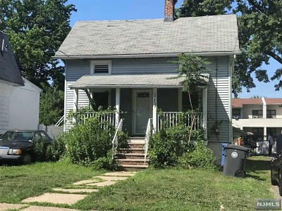 Englewood Single Family Home For Sale: 217 3rd Street