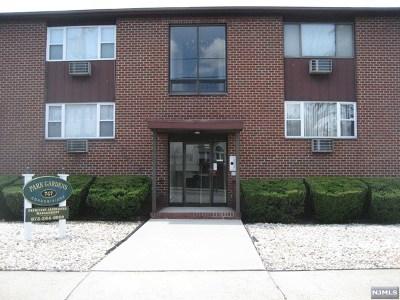 Lyndhurst Condo/Townhouse For Sale: 747 Riverside Avenue #B5
