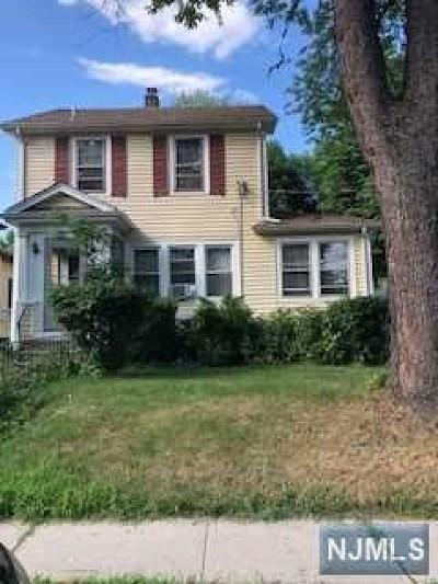 Teaneck Single Family Home For Sale: 71 Robinson Street