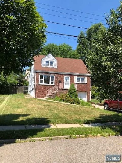 Teaneck Single Family Home For Sale: 620 Iris Court