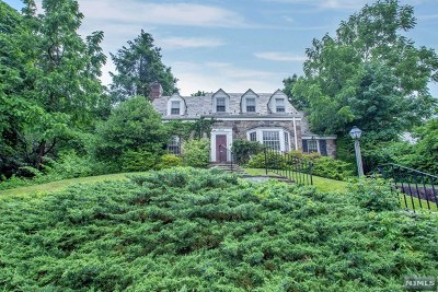 Tenafly Single Family Home For Sale: 7 Stonehurst Drive