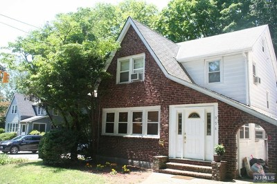 Teaneck Single Family Home For Sale: 954 Windsor Road