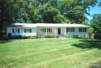 Franklin Lakes Single Family Home For Sale: 697 King Road