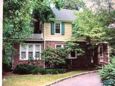 Tenafly Single Family Home For Sale: 253 Engle Street