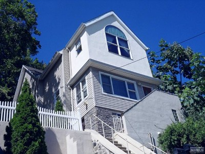 Edgewater Multi Family 2-4 For Sale: 550 Undercliff Avenue