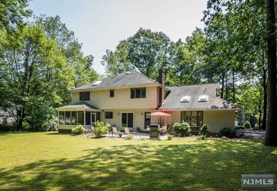 Allendale Single Family Home For Sale: 65 Bonnie Way