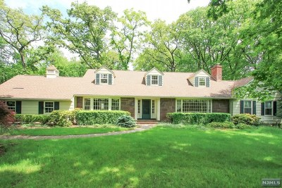 Saddle River Single Family Home For Sale: 3 Twin Brooks Road
