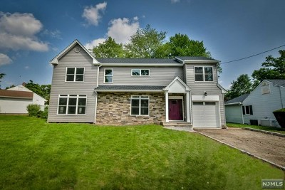 New Milford Single Family Home For Sale: 617 McCarthy Drive