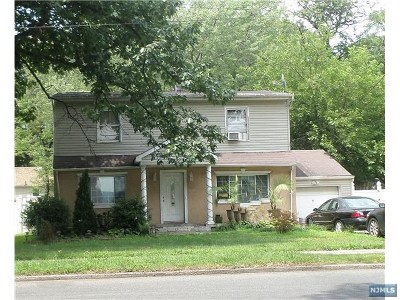 Teaneck Single Family Home For Sale: 1840 Teaneck Road