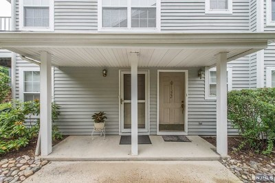 Mahwah Condo/Townhouse For Sale: 1322 Oxford Street