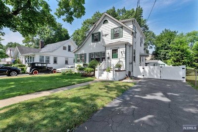 New Milford Single Family Home For Sale: 684 Stockton Street