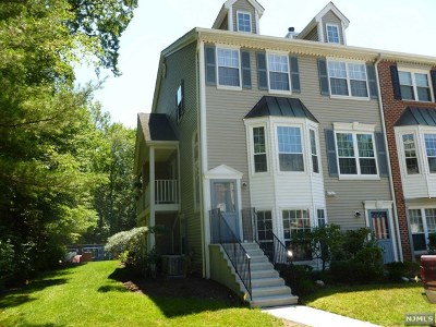 Mahwah Condo/Townhouse For Sale: 1281 Hibiscus Court
