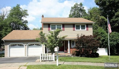 Wanaque Single Family Home For Sale: 7 Cooper Drive