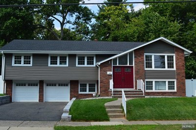 Teaneck Single Family Home For Sale: 293 Glen Court