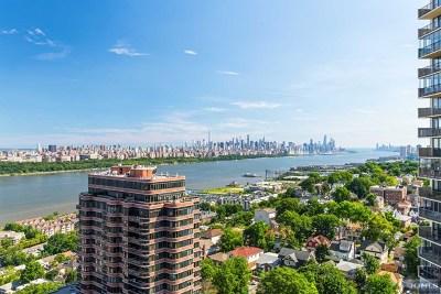 Cliffside Park NJ Condo/Townhouse For Sale: $685,000
