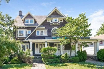 Hackensack Single Family Home For Sale: 241 Summit Avenue