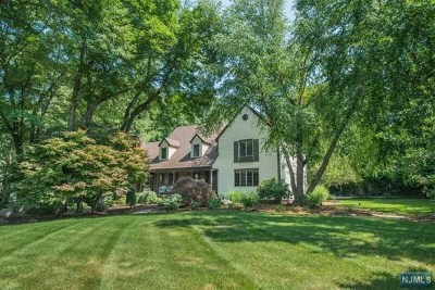 Franklin Lakes Single Family Home For Sale: 841 Stonewall Court